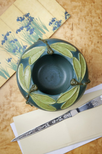Bowls & Paperweights